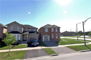106 Greenhalf Dr, Ajax