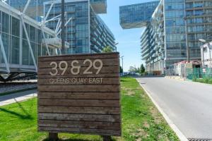 39 Queens Quay Quay E, Toronto