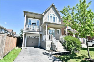 93 Carpendale Cres, Ajax