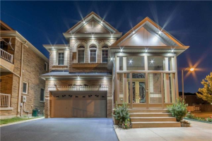118 Commodore Dr, Brampton