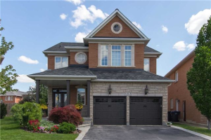 46 Customline Dr, Brampton