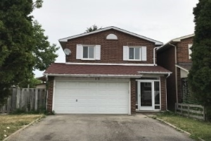 15 Bay Hill Dr, Vaughan