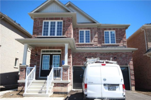 $999,900 • 35 Ballyhaise Cres , Credit Valley