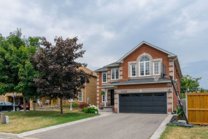 1598 Seguin Sq, Pickering