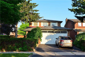 42 Quaker Ridge Rd, Vaughan