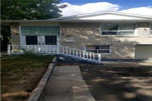 7157 Darcel Ave, Mississauga