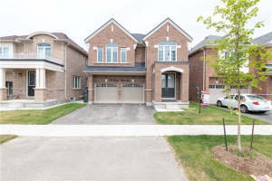 373 Royal West Dr, Brampton