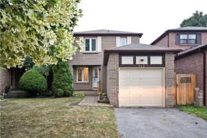 168 Chatfield Dr, Ajax