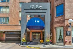633 Bay St, Toronto