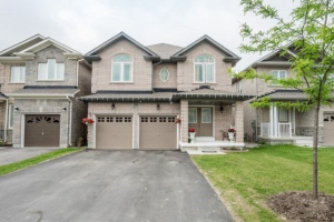 29 Hopkins Cres, Bradford West Gwillimbury