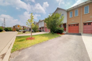 3158 Angel Pass Dr, Mississauga