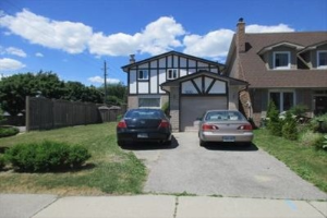 500 Downland Dr, Pickering