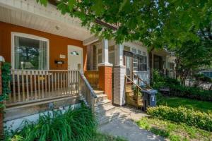 589 Rhodes Ave, Toronto