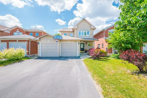 834 Stonehaven Ave, Newmarket