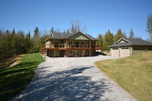1075 County Rd 36 Rd, Kawartha Lakes