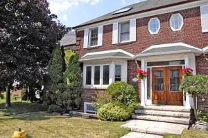 1232 Avenue Rd, Toronto
