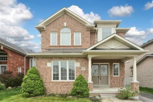 7 Robert Attersley Dr W, Whitby