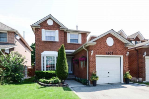 4657 Moccasin Tr, Mississauga