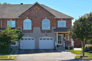 35 Foxchase Ave, Vaughan