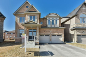 62 Tremblant Cres, Vaughan