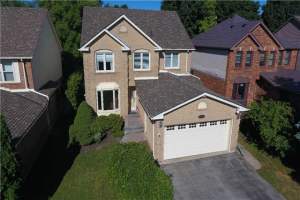 99 Penny Cres, Markham