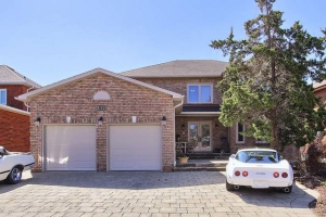 232 Conti Cres, Vaughan