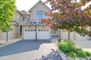 2120 Pinevalley Cres, Oakville