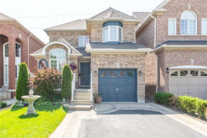 28 Cottage Cres, Whitby