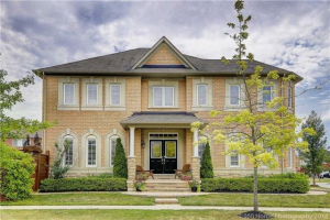 14 Hiram Johnson Rd, Whitchurch-Stouffville