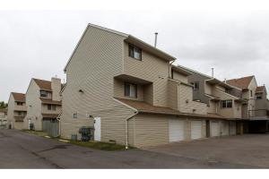 #287 87 GLAMIS GR SW, Calgary