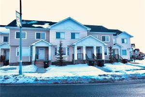8411 SADDLEBROOK DR NE, Calgary