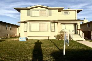 201 TARAWOOD CL NE, Calgary