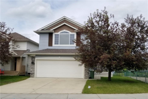 18 CRYSTALRIDGE CL , Okotoks