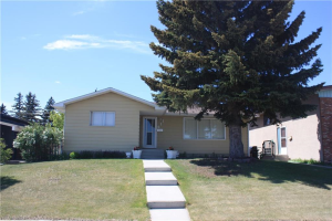 611 BLACKTHORN RD NE, Calgary