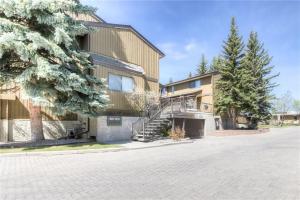 #613 3131 63 AV SW, Calgary