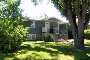631 55 AV SW, Calgary