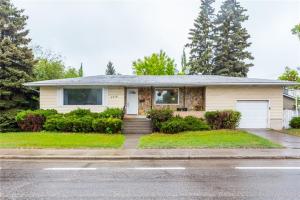 3216 26 AV SW, Calgary