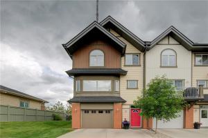 2502 WENTWORTH VI SW, Calgary