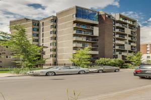 #202 323 13 AV SW, Calgary