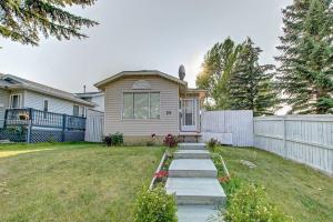 25 MARTINVIEW CR NE, Calgary