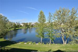 58 HIDDEN CI NW, Calgary