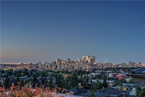 2019 29 AV SW, Calgary